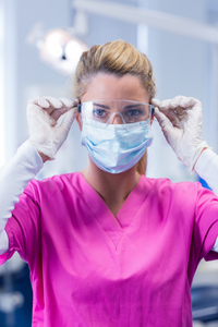 3 Ways to Manage Time When Working in Multiple Dental Clinics